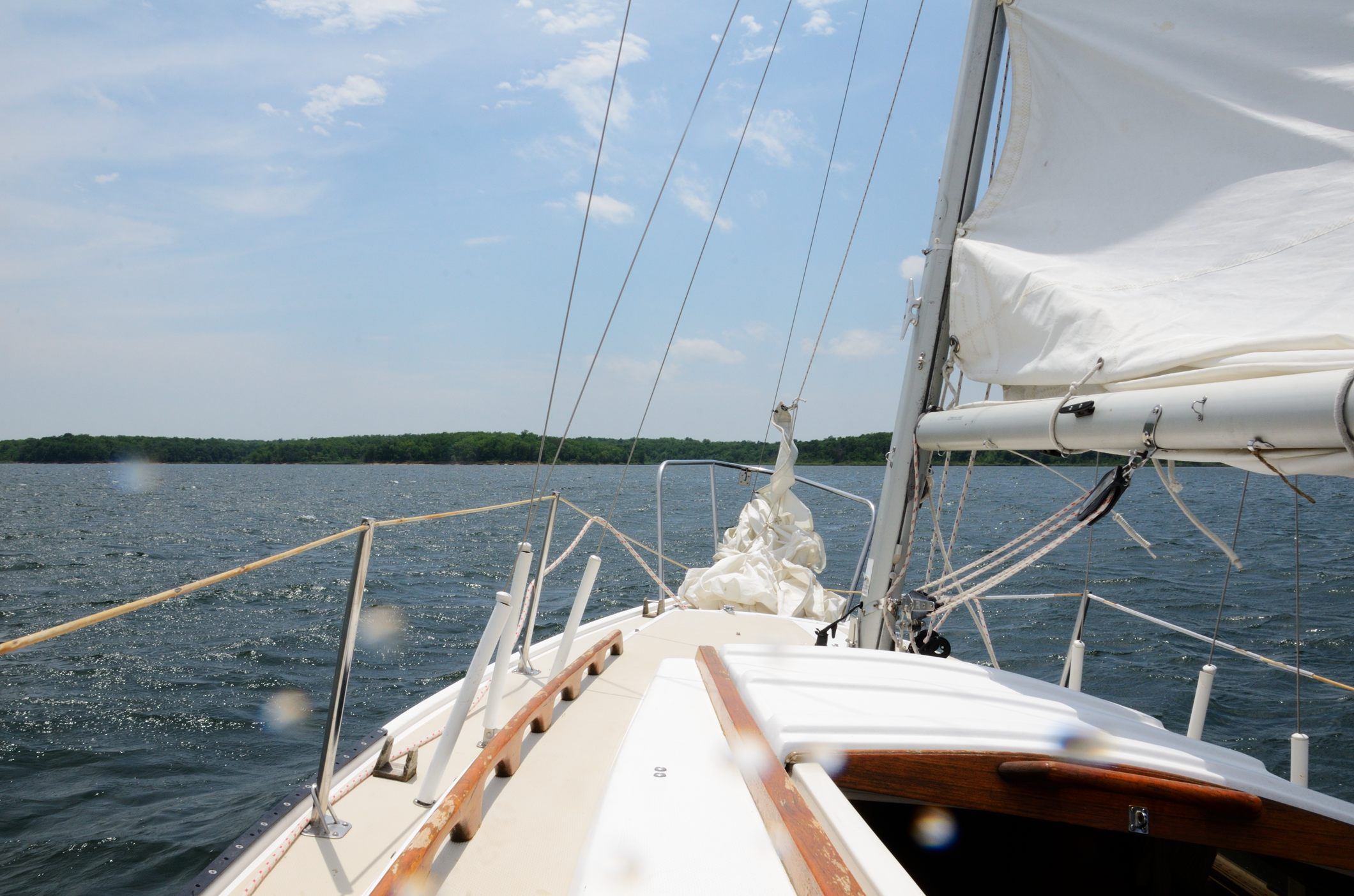 Sailing on Stockton Lake