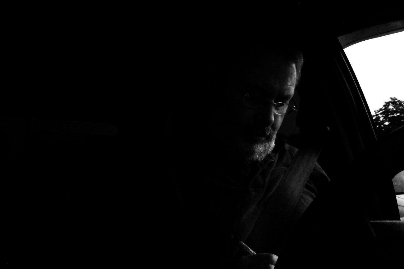black and white photgraph of Gary Allman. www.breakfastinamerica.ne