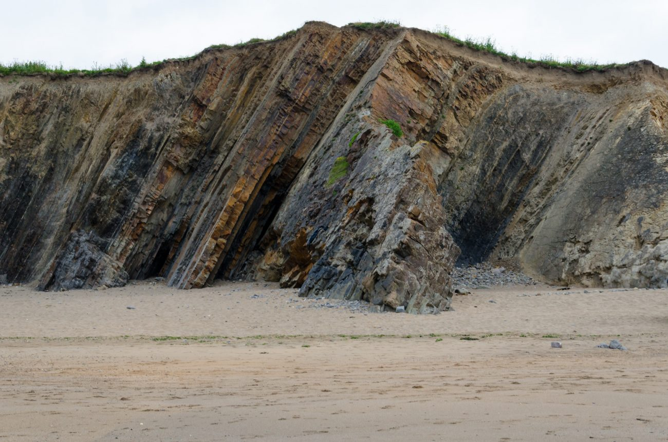 Picture showing the Rock strata at Widemouth Bay, Cornwall