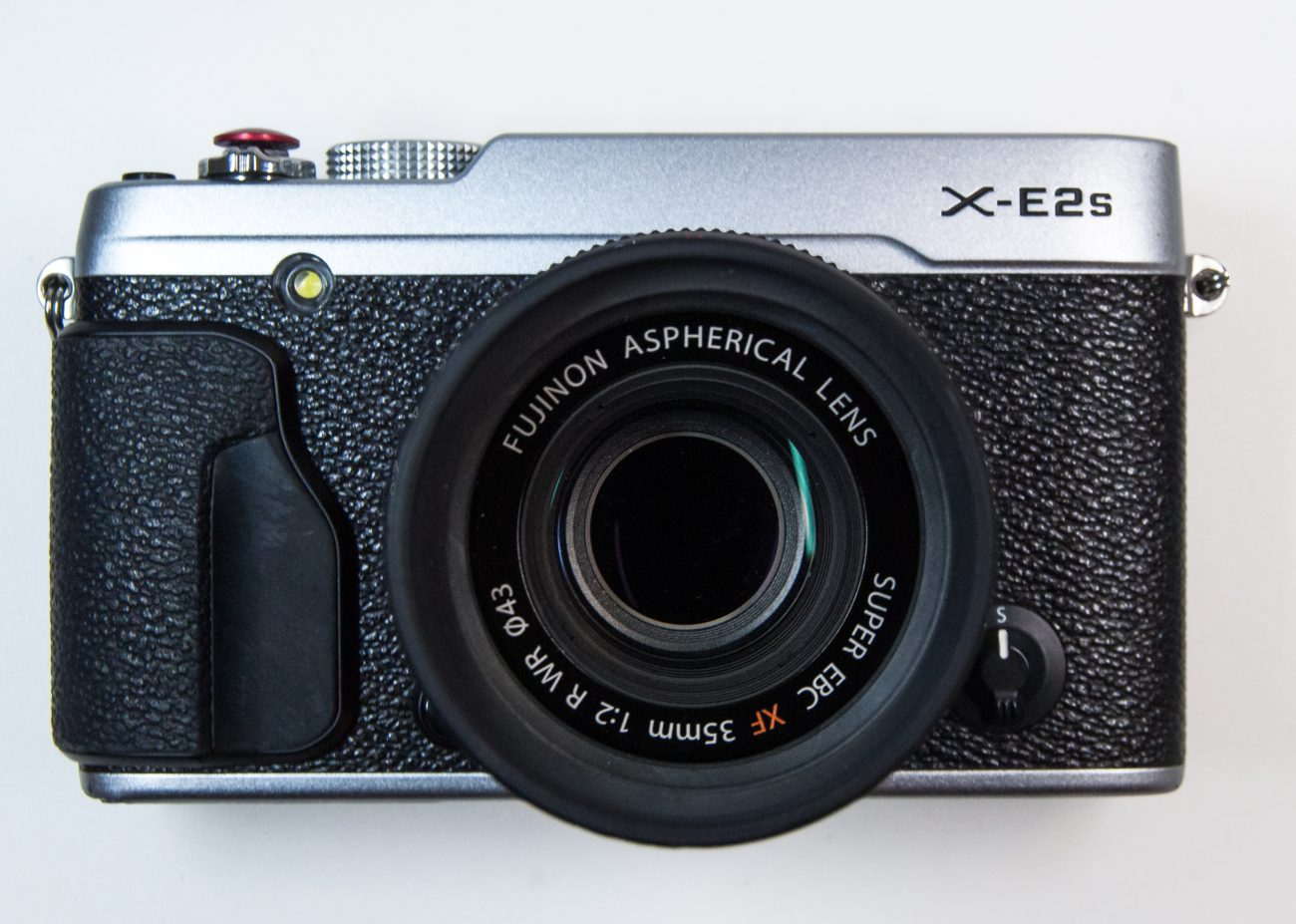 Photograph of a Fujifilm X-E2s camera with 35mm F2:0 WR lens