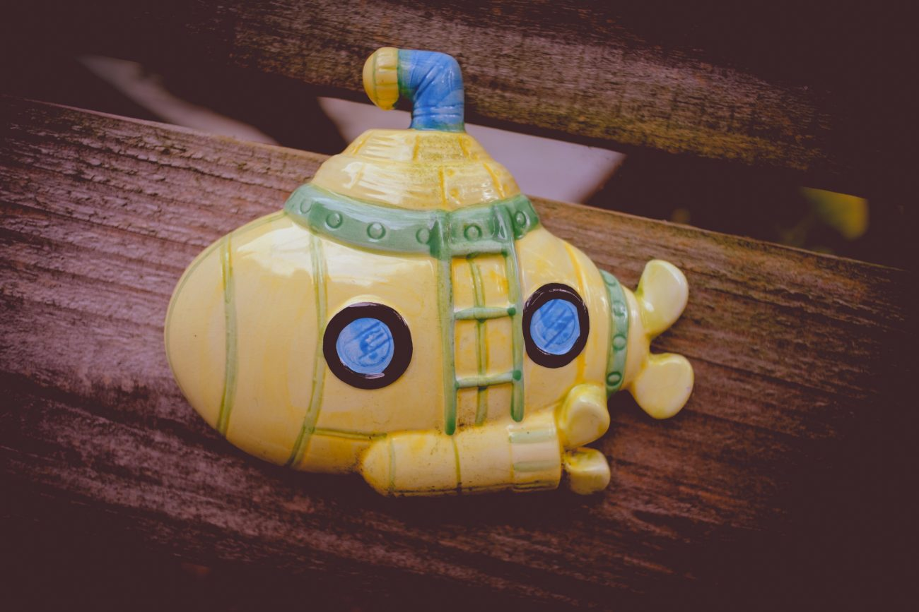Photograph of a cartoon style submarine reproduce in ceramic