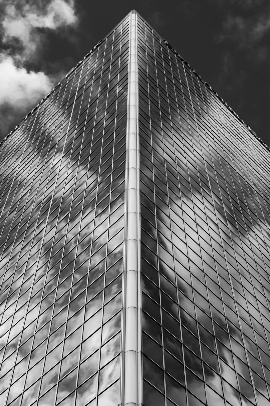 Black and White picture of the Fifth Third Bank - Louisville, Kentucky.